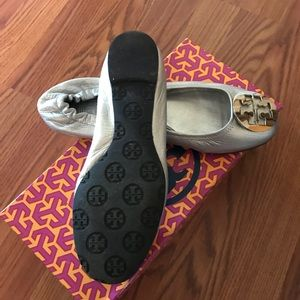 Tory Burch shoes flats size 7.5 silver
